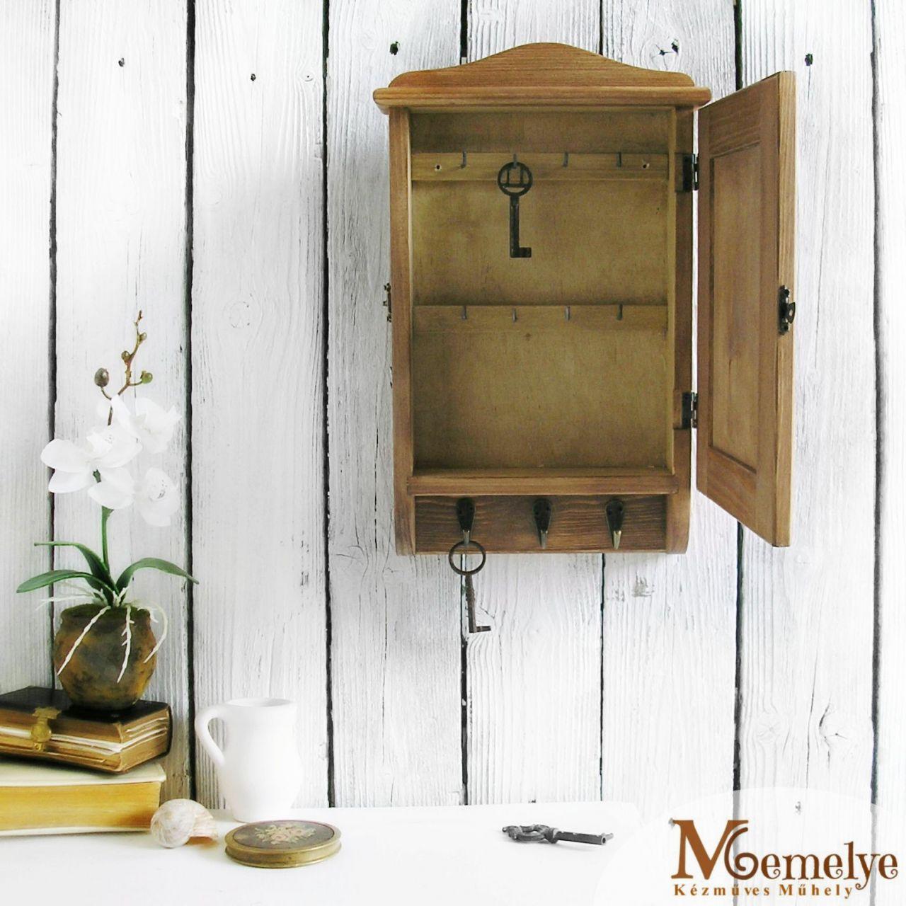 Barna fa kulcstartó szekrény