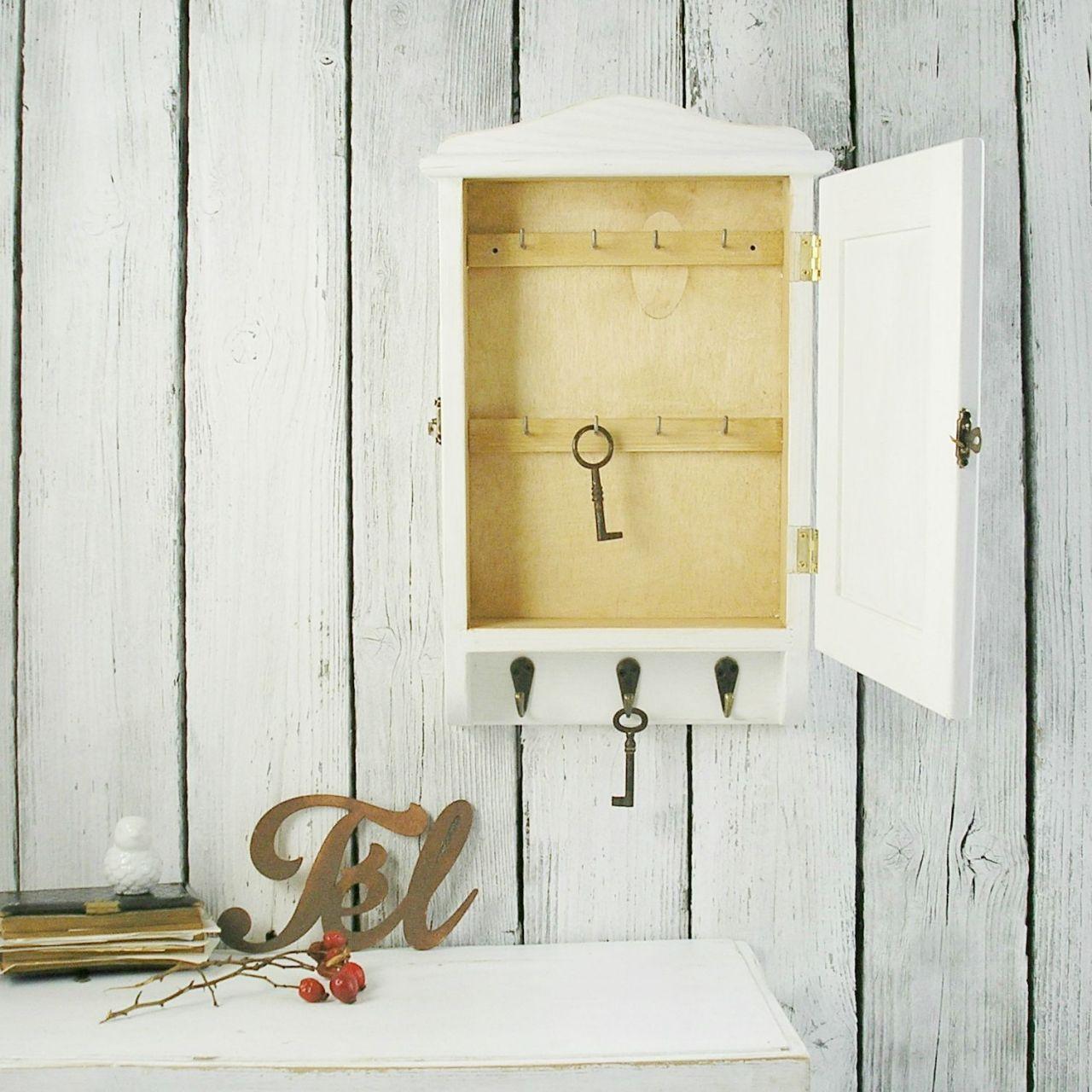 Fehér fa kulcstartó szekrény