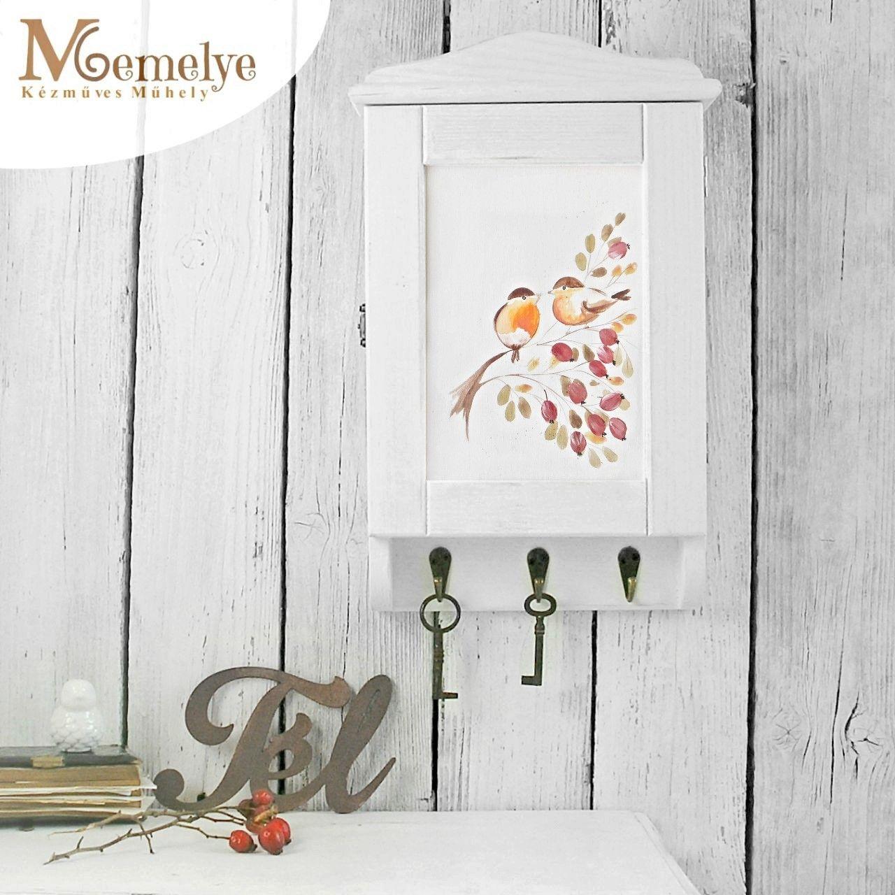 Vörösbegy fa kulcstartó szekrény fehér